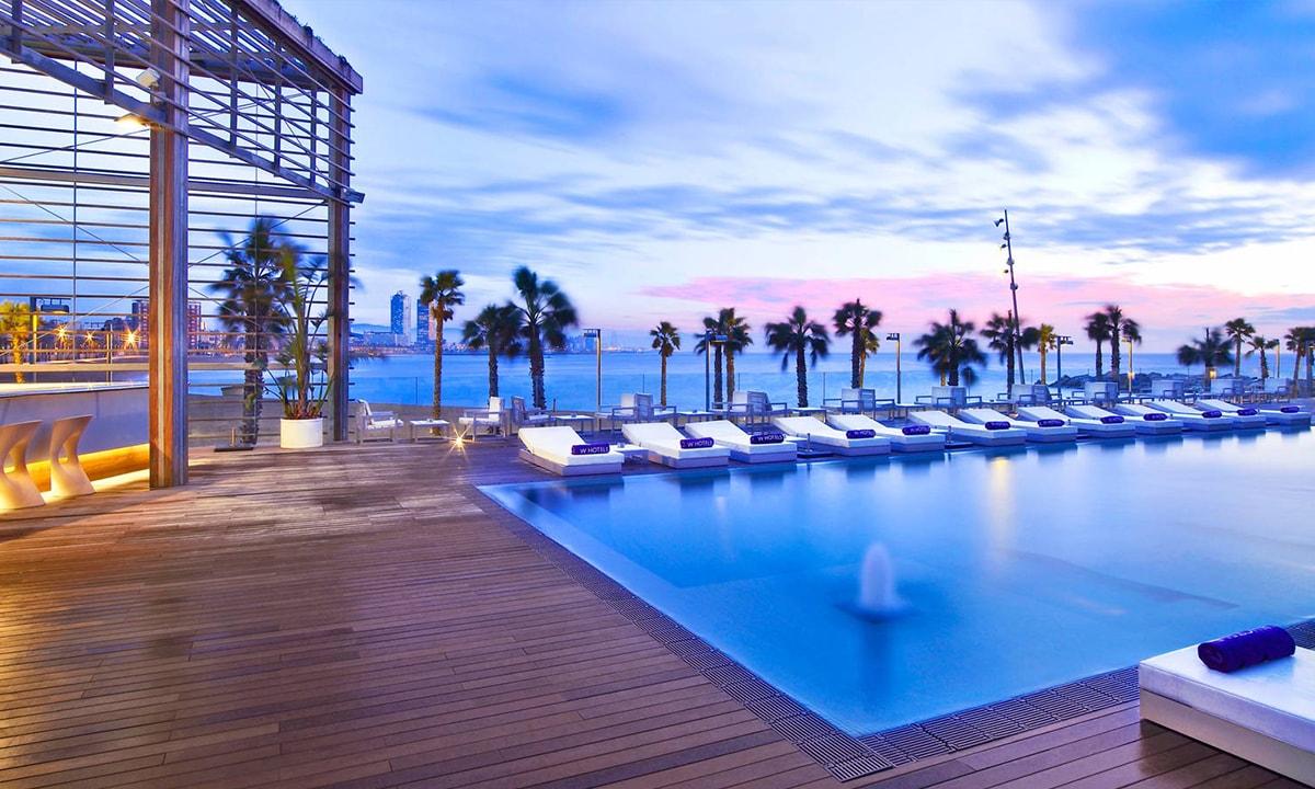 Piscina del Hotel W Barcelona donde se celebra el Applause BCN