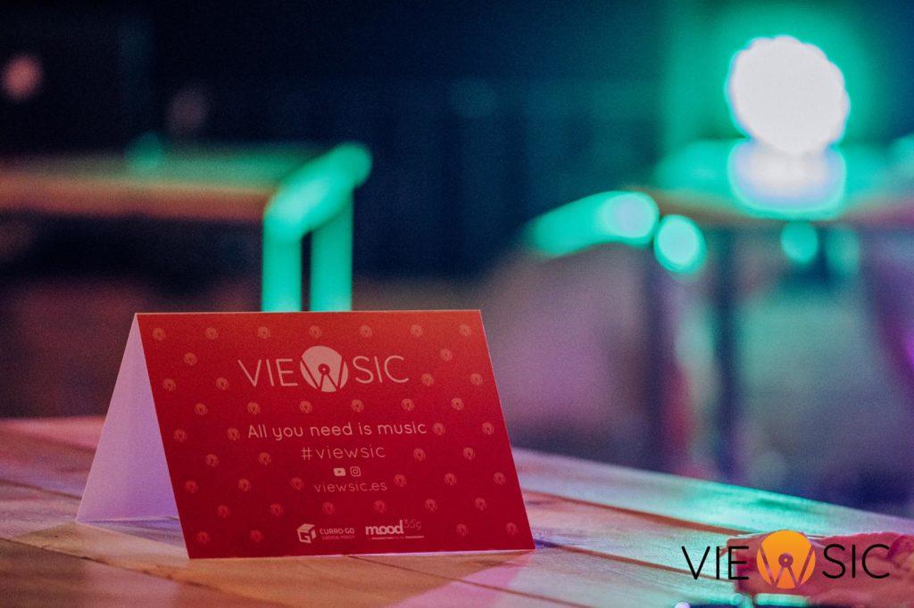 Tarjeta de Viewsic en el evento de presentación